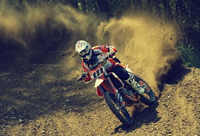 Ce qu'il faut savoir sur le kit chaine moto pour faire de la moto cross 50cc ?